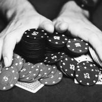 Tips og tricks til at spille poker online